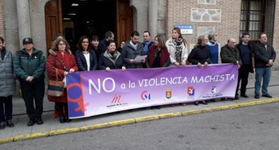 Minuto de silencio en Talavera por la violencia de género: 52 mujeres asesinadas y 43 huérfanos