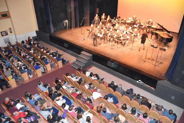 La 'Eusebio Rubalcaba' llena de música el Palenque en el Concierto de Navidad