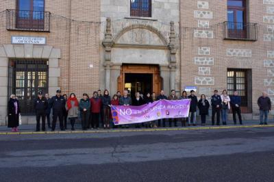 Minuto de silencio en Talavera por las 55 mujeres asesinadas por sus parejas o exparejas