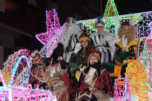 La cabalgata de Reyes pone fin en Torrijos a una Navidad muy participativa