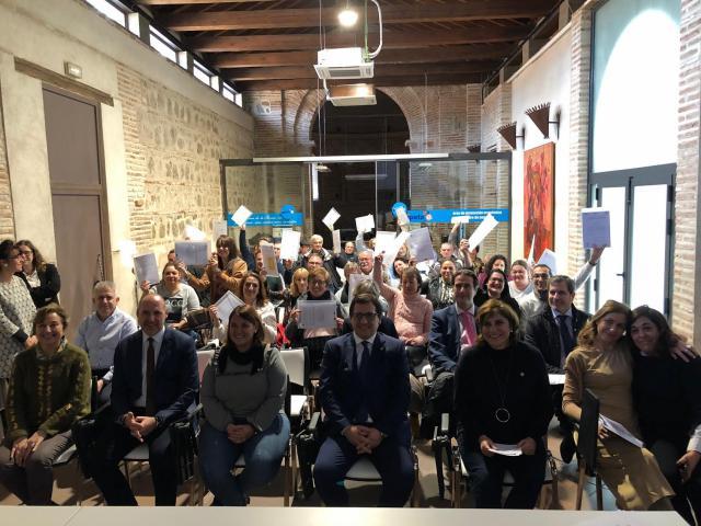 32 personas han participado en los programas de reciclaje profesional en Talavera