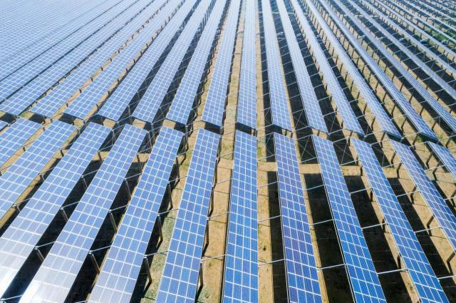 El Gobierno regional autoriza la instalación de tres nuevas plantas solares fotovoltaicas