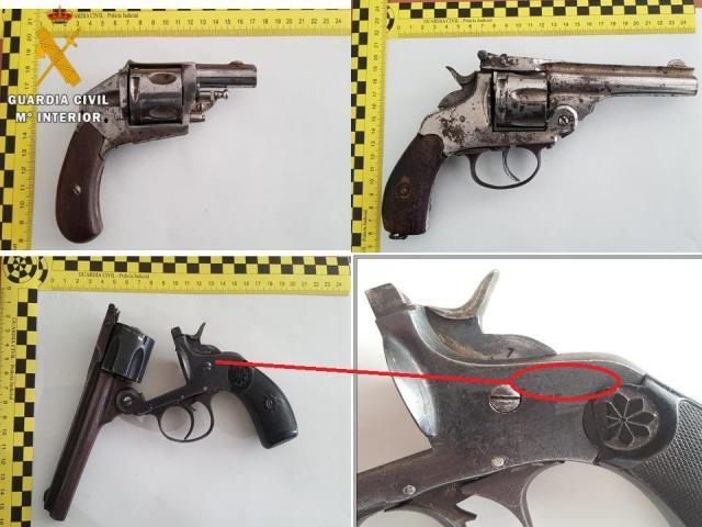 Detienen a un hombre que ocultaba tres armas de fuego en su vehículo