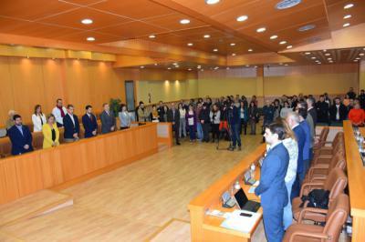 El Pleno de Talavera guarda un minuto de silencio en memoria de María Ángeles Santos