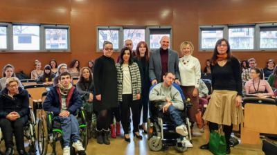 La Junta pone en valor el tándem UCLM y APACE por avanzar en la atención a personas con parálisis cerebral