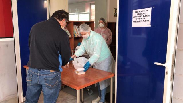 TALAVERA | Normalidad en el servicio de entrega de comida a los becados del comedor escolar