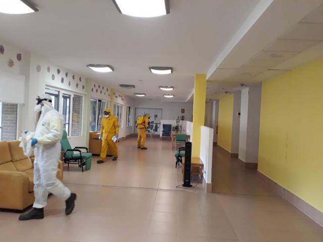 COVID-19 | Desinfección en tres residencia de mayores de Talavera