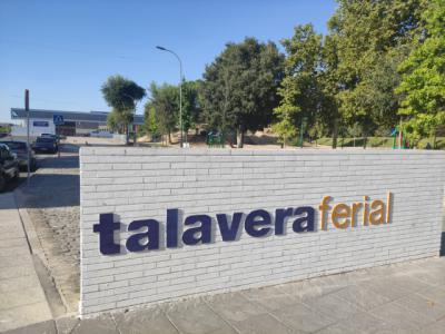 """La alcaldesa pide """"mejoras"""" para Talavera Ferial y Page responde con 500.000 euros"""