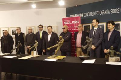 Presentado el ganador de la escultura de Andrés Iniesta promovida por la Fundación Soliss