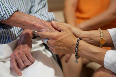 El 39,8% de las personas más mayores de 65 años presentan soledad emociona