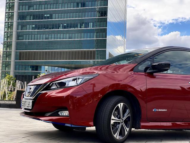 MOTOR   Nissan celebra la fabricación del LEAF número 500.000
