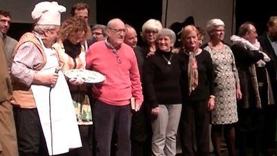 Emotivo homenaje a Ismael Sánchez en una representación teatral de 'El candil'