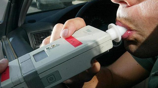 Detenido el conductor de un furgón por superar en más de 9 veces el límite de alcoholemia