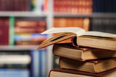 La UNED participa en la Feria del Libro de Talavera