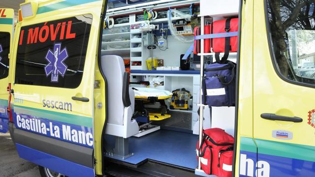 EN UN PUEBLO DE TOLEDO | Dos trabajadores trasladados al hospital tras caer en una cuba de alcohol de 5 metros
