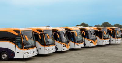 El Gobierno adjudica los autobuses urbanos a Monbus y Grupo Avanza recurrirá