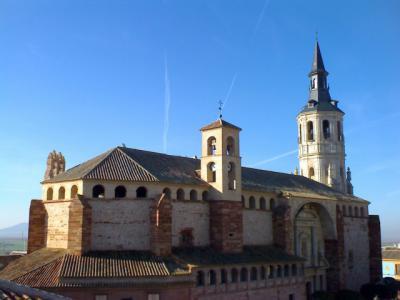 La Junta y la Iglesia católica acuerdan colaborar en la restauración de 5 iglesias