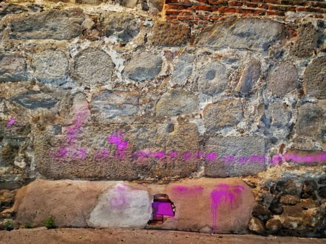La Muralla de Talavera recupera su estética origanal tras los actos vandálicos del sábado