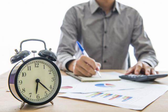 """El absentismo laboral es """"irrelevante"""" en contraposición """"a las horas extras que no se pagan"""""""