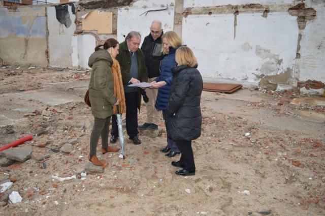 La subsecretaria del Ministerio de Justicia visita el solar que albergará la ampliación de los juzgados de Talavera