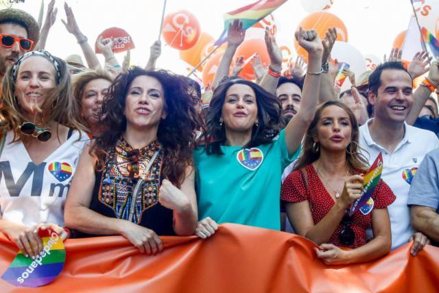 Ignacio Aguado, Inés Arrimadas y otros miembros de Ciudadanos en la manifestación estatal del Orgullo LGTBI en Madrid, desde Atocha hasta Colón / Ricardo Rubio - Europa Press (EUROPA PRESS)