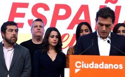 Albert Rivera dimite tras el desastre electoral de Ciudadanos