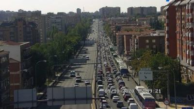 ESTADO DE ALARMA   Retenciones en algunas vías de salida de Madrid