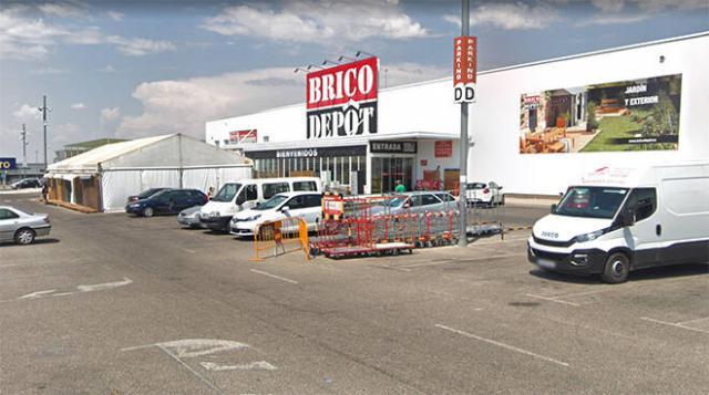 Tres trabajadores de 'Brico Depot' salvan la vida a un niño de 17 meses en Toledo