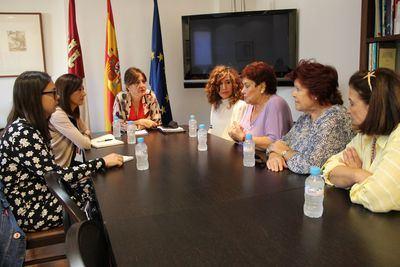 La Junta destaca el trabajo de asociaciones como 'María de Padilla' en la lucha contra la violencia de género