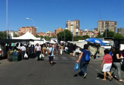 El Ayuntamiento traslada el mercadillo de los miércoles para no coincidir con la Concentración de Autocaravanas