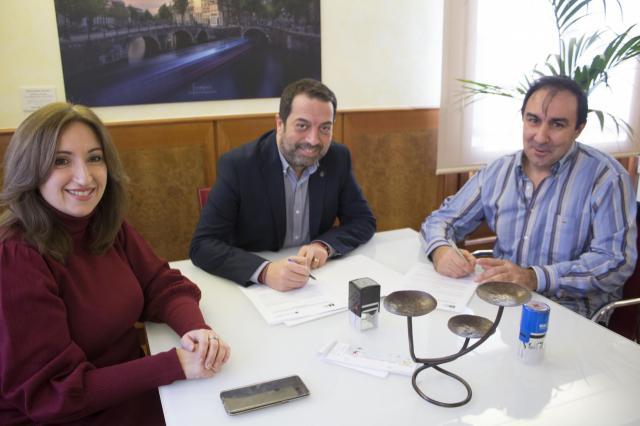 Cruz Roja y el Ayuntamiento de Torrijos ponen en marcha la Campaña de Bonos de Navidad