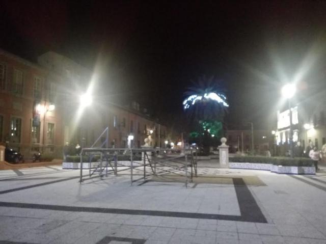 Critican la 'escasa' y 'pobre' iluminación navideña en Talavera