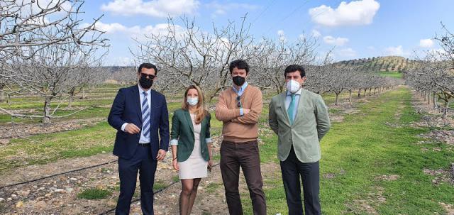 AGRICULTURA | Acuerdo entre CaixaBank y Green Pearl para la financiación del cultivo del pistacho
