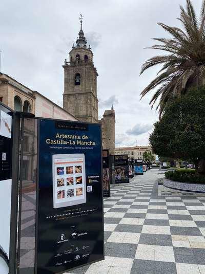 GALERÍA | ¿Todavía no has visto el 'Paseo de los Artesanos' en Talavera?