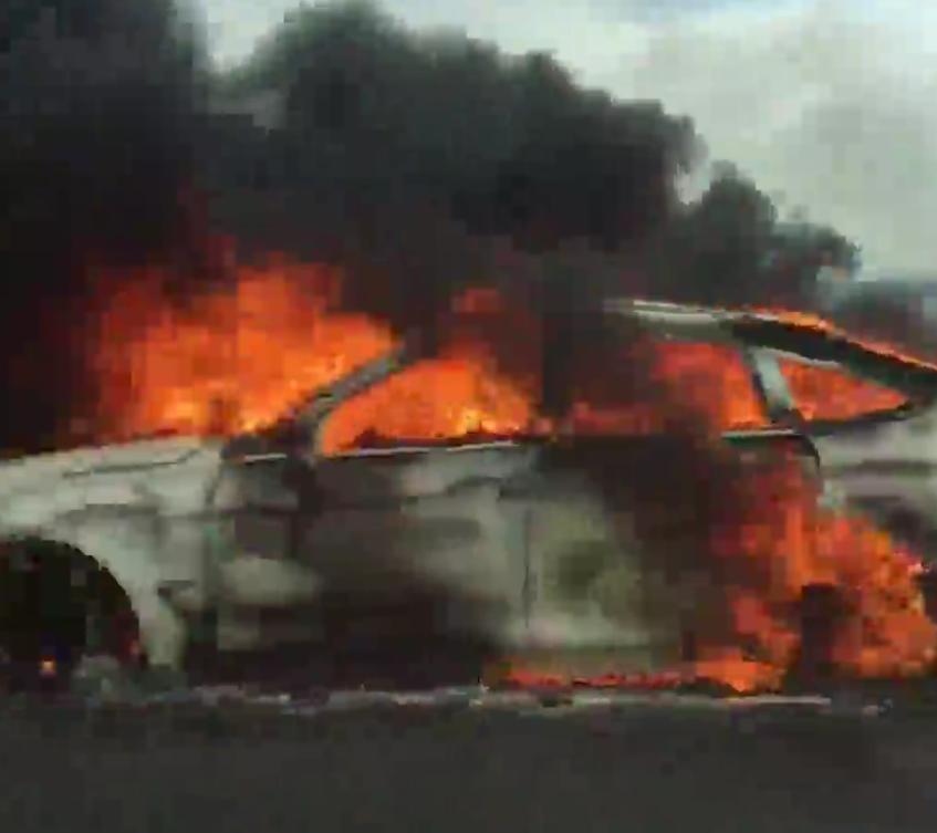 Susto en la A-5, a la altura de Cazalegas, por el incendio de un coche