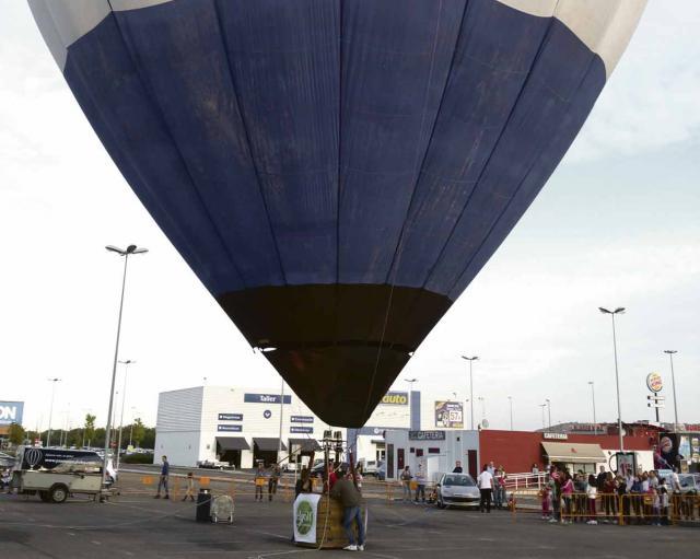 Este sábado podrás subir en el globo del Parque Comercial El Golf