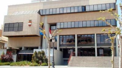 La Policía Nacional precinta el Ayuntamiento de Puertollano en una operación
