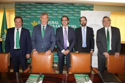 Caja Rural CLM destina 30 millones a las empresas avícolas de la región