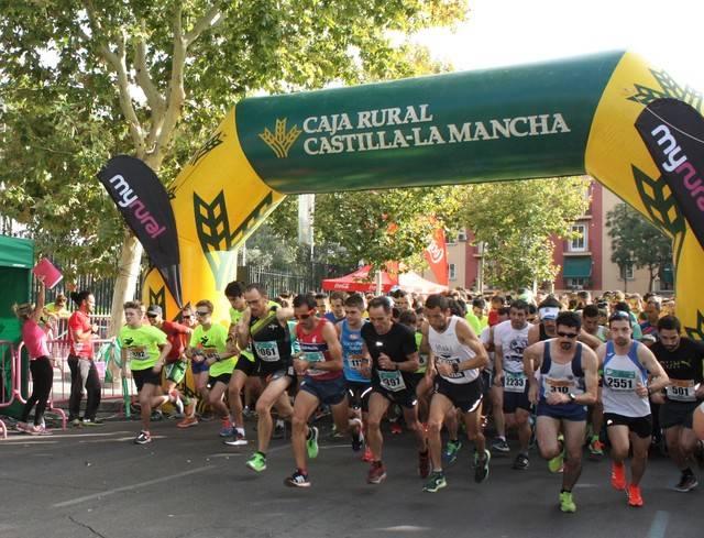 Más de 2.000 corredores recorren las calles de Toledo por la investigación de la Esclerosis