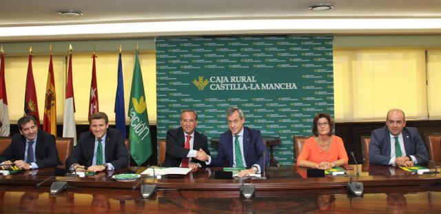 De i. a d. Manuel Madruga, Víctor Manuel Martín, Ángel Nicolás, Javier López, María Ángeles Martínez y Enrique Muñoz