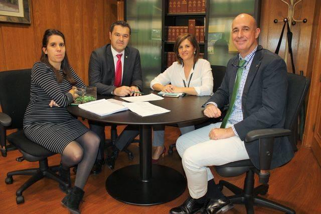 Foto jurado 'Workin' de i. a d. Artemisa Flores, Andrés Gómez, Paloma Gómez y Vicente Muñoz