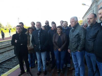 El PSOE asegura que el mejor servicio ferroviario debe ser la locomotora que arrastre a Talavera al progreso