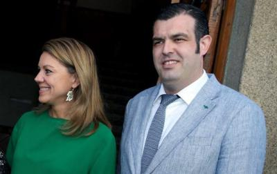 José Vicente Amor, alcalde de Lagartera, junto a María Dolores de Cospedal / Archivo