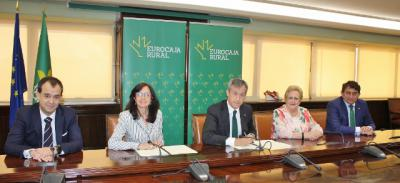 Eurocaja Rural habilita 60 millones para la actividad de farmacéuticos toledanos