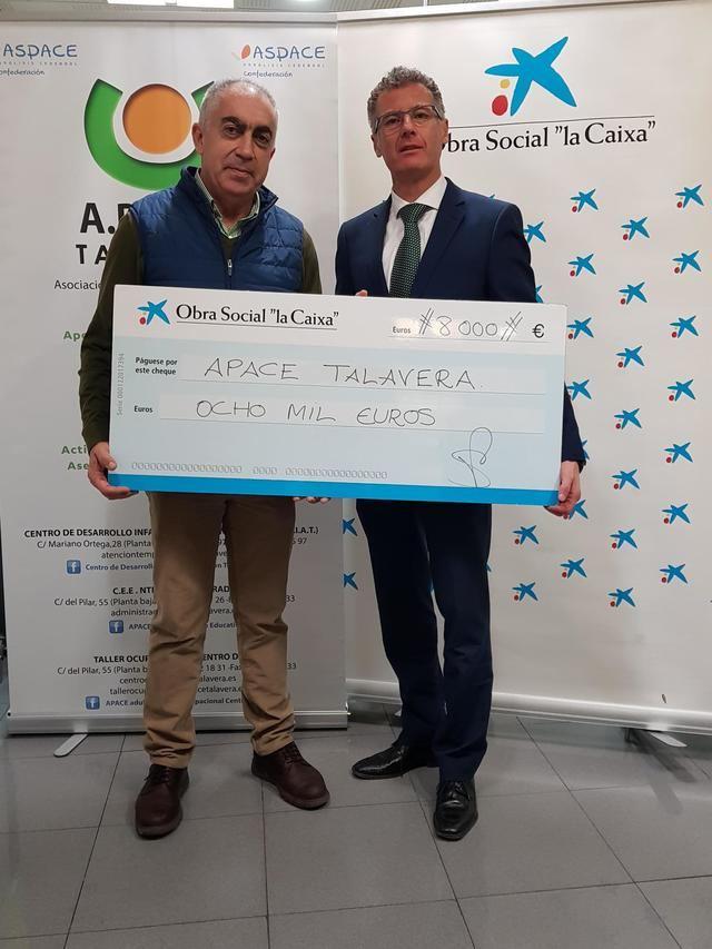 APACE recibe 8.000 euros de La Caixa para su programa de rehabilitación