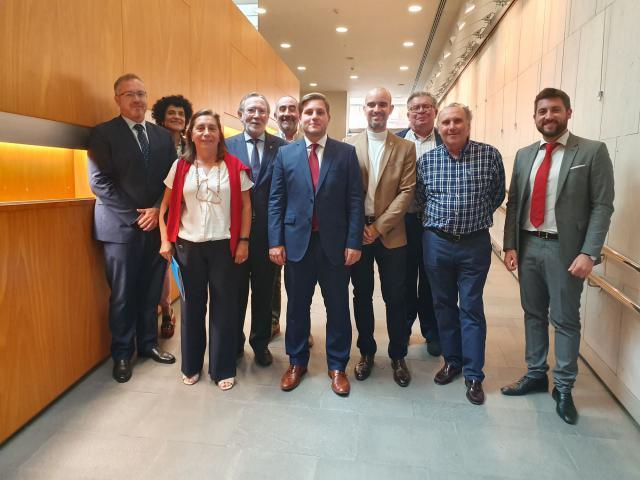 El consejero de Fomento se reúne el Consejo de Colegios Oficiales de Aparejadores, Arquitectos Técnicos e Ingenieros de Edificación de C-LM
