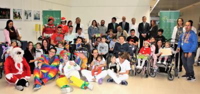 Fundación Eurocaja Rural dona juguetes y libros al Hospital de Parapléjicos