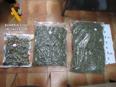MARIHUANA | Detenido un hombre cuando transportaba 6.605 gramos