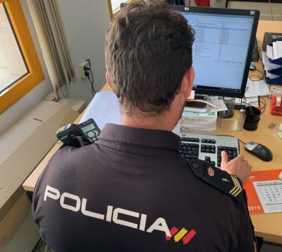 Detenido un hombre por estafar más de 6.300 euros mediante el uso fraudulento de tarjetas débito/crédito a través de phising