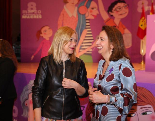 Carmen picazo y Ursula López